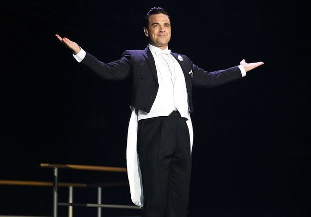 Robbie Williams : le prénom de son fils dévoilé… dans un nouveau sketch !