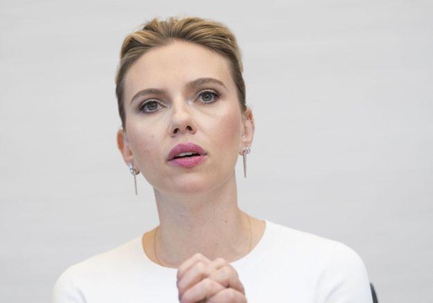 Scarlett Johansson poursuivie par des paparazzis, a peur d'un accident « comme la princesse Diana »