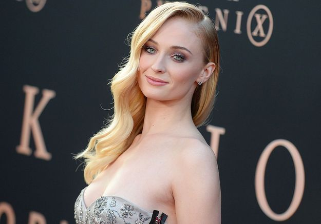 Sophie Turner (Game of Thrones) avoue avoir essayé de draguer Matthew Perry de Friends