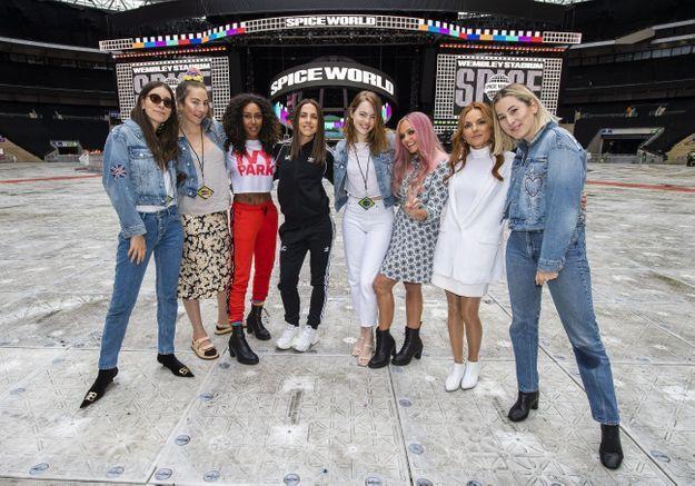 Spice Girls : la rencontre entre Emma Stone et Baby Spice fait le buzz !