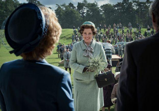 The Crown : Gillian Anderson partage des clichés hilarants d'Olivia Colman sur le tournage