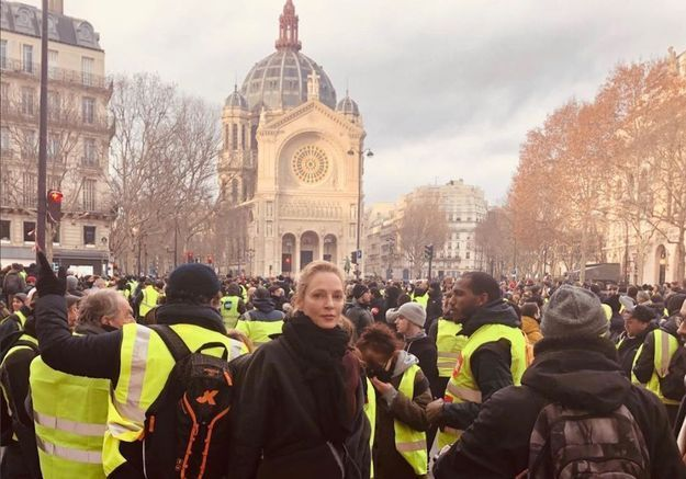 Uma Thurman et Owen Wilson aperçus lors des manifestations des gilets jaunes à Paris