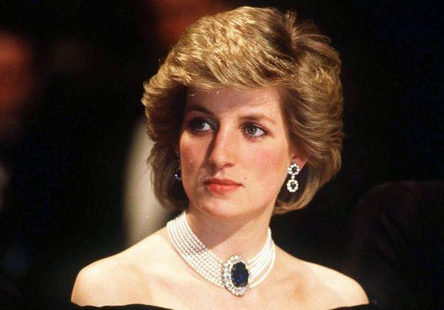 Un livre sur la famille royale affirme que Diana a menacé de mort Camilla Parker-Bowles