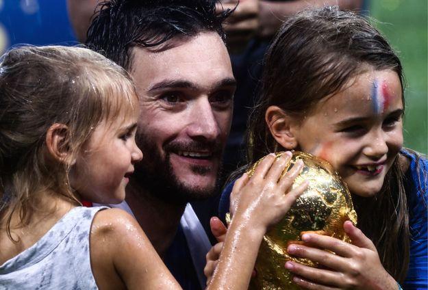 Hugo Loris célèbre l'événement avec sa famille