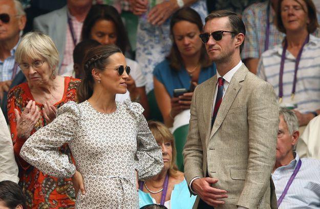 Dans les tribunes, Pippa Middleton a montré son ventre qui s'arrondit