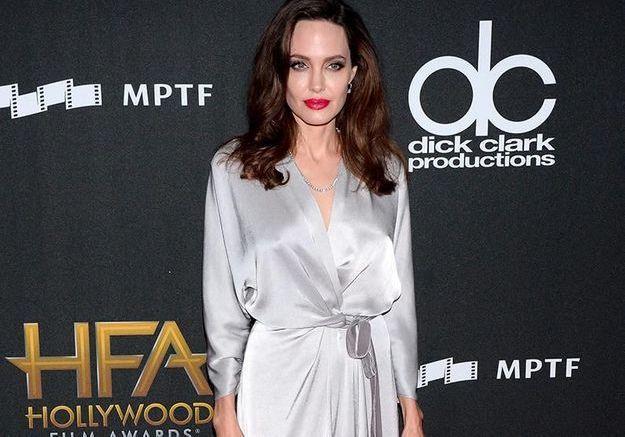 Angelina Jolie, une célibataire radieuse à la cérémonie des Hollywood Film Awards