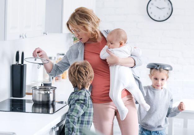 Burn-out parental : «  On ne se réveille pas en se disant qu'on n'en peut plus »