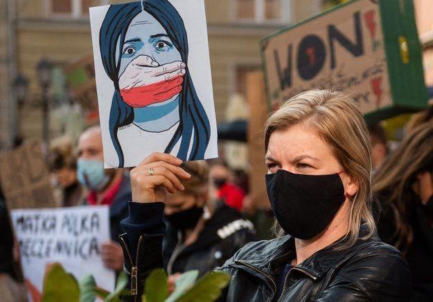 Droit à l'IVG : le bras de fer polonais