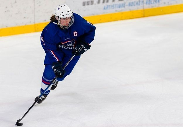 """Hockey sur glace féminin - Marion Allemoz : « On entend toujours que c'est """"un sport de garçons"""" »"""