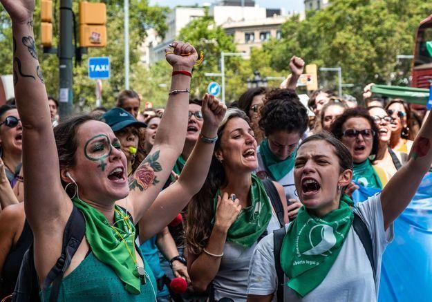 IVG en Argentine : «Une génération de jeunes filles est en train de convaincre leurs parents»