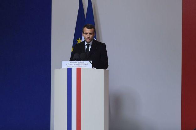 Emmanuel Macron prononce l'éloge funèbre