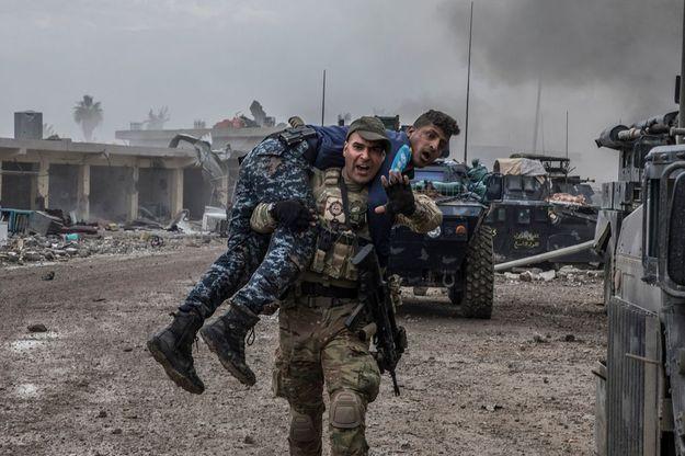 Attentat suicide à la bombe contre les forces irakiennes à Mossoul