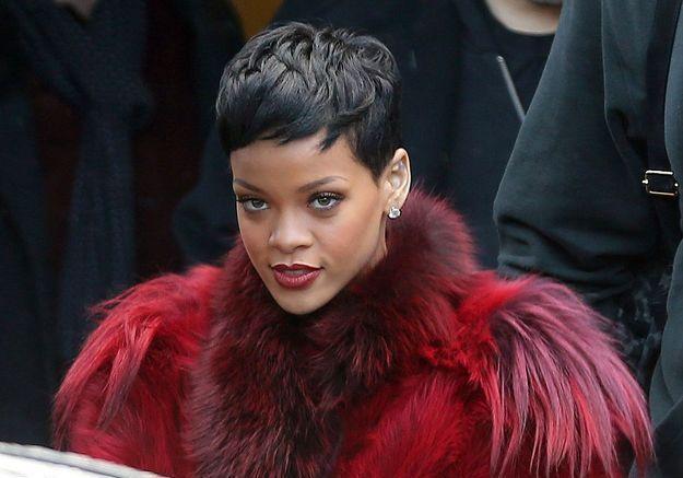 Rihanna pour s'être muée en « caméléon » de la pop