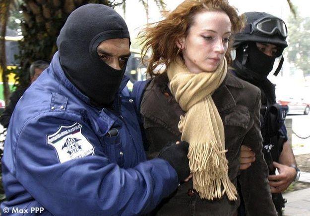 - Sa « fausse arrestation »