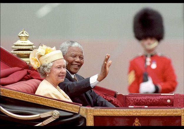 Nelson Mandela et la reine le 3 juin 2008