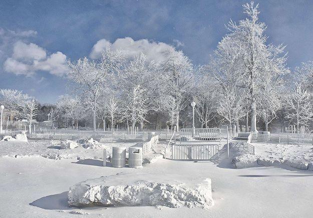 Le parc des chutes du Niagara est entièrement gelé