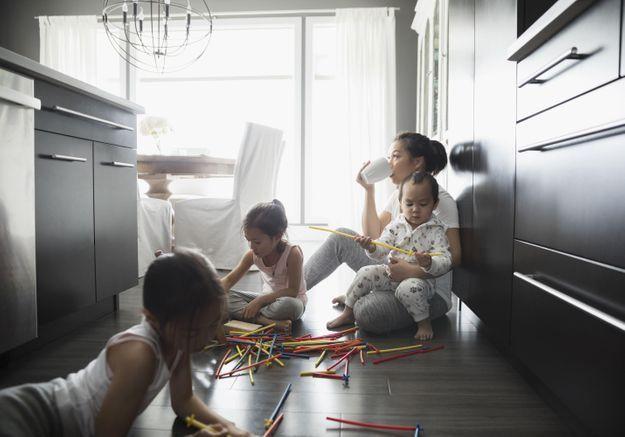 Etre mère serait aussi fatigant que cumuler plus de deux jobs !
