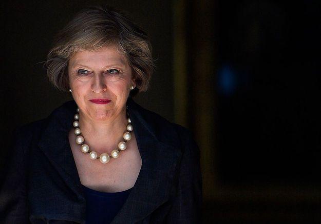 Theresa May : pourquoi les Anglaises lui demandent de changer de chaussures