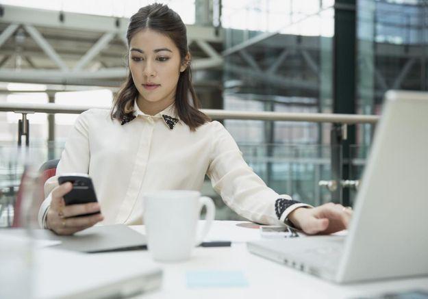 Votre employeur a désormais accès aux SMS de votre portable pro