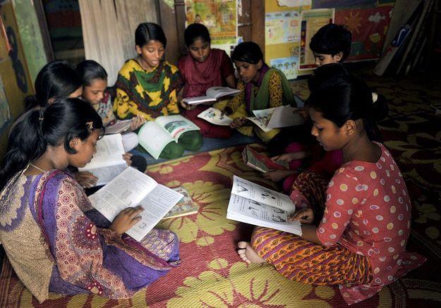 15 écolières violemment battues dans leur école au Bangladesh