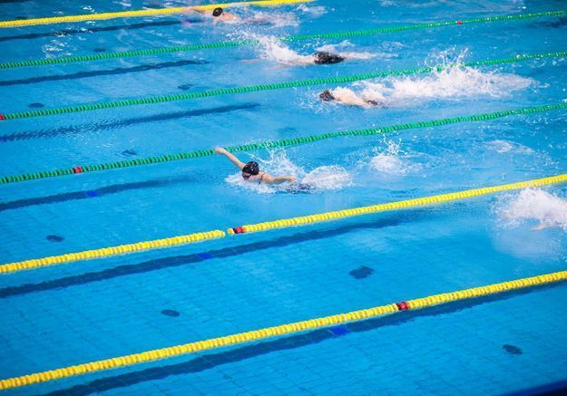 Abus sexuels : 6 ex-nageuses accusent la Fédération américaine de natation d'avoir couvert leurs entraîneurs