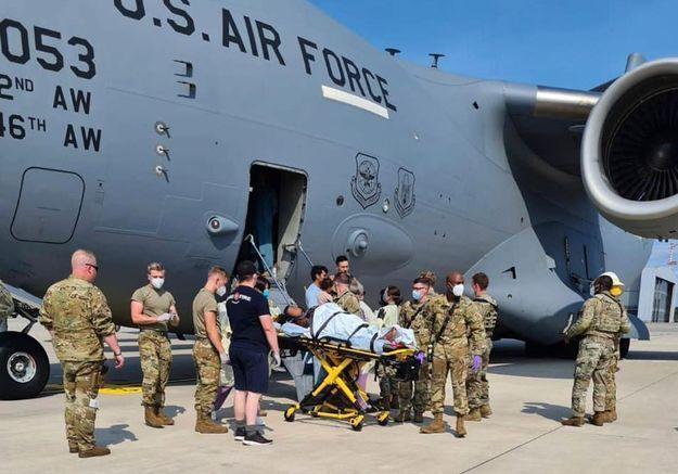 Afghanistan : une femme accouche dans l'avion militaire qui l'évacue