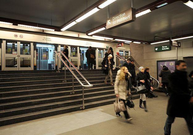 Agressée dans le métro, personne ne lui vient en aide