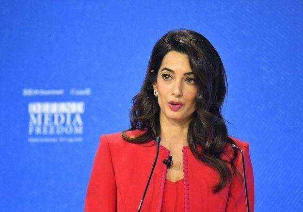 Amal Clooney en désaccord avec le gouvernement britannique : elle annonce sa démission