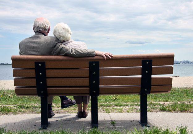 Amoureux au lycée, ils se retrouvent et se marient 64 ans plus tard