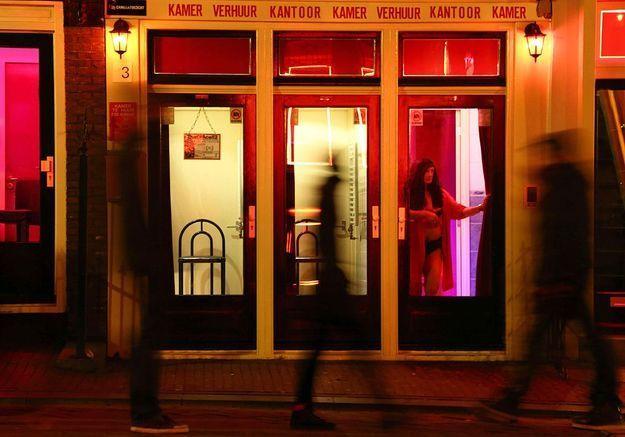 amsterdam un mus e dans les vitrines du quartier rouge elle. Black Bedroom Furniture Sets. Home Design Ideas