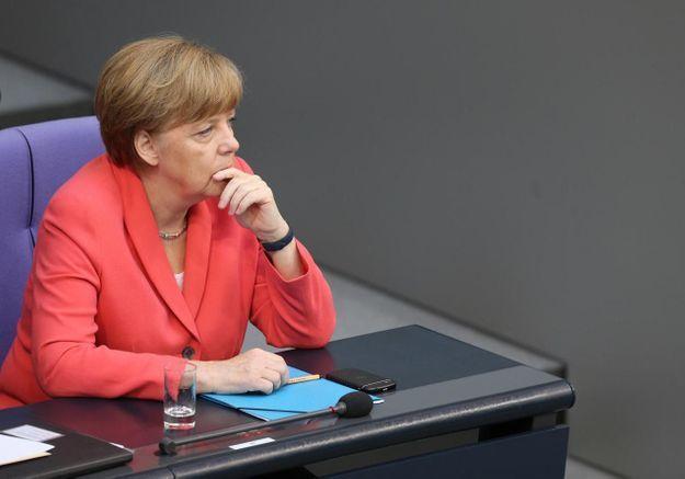 Angela Merkel face à une jeune Palestinienne : le Web lui en veut
