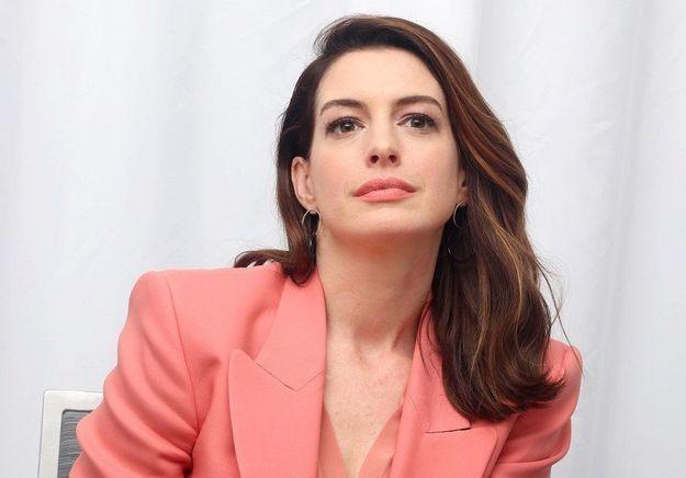 Anne Hathaway : pourquoi elle a décidé de ne plus boire pendant 15 ans