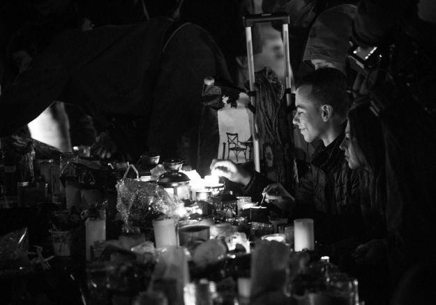 Attentats à Paris : l'hommage aux victimes