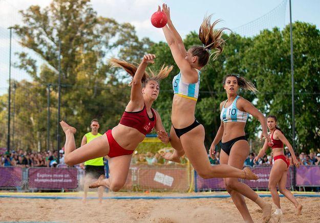 Beach handball : les Françaises ne veulent plus jouer en bikini