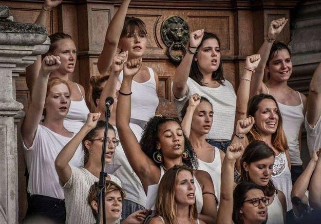 Chanter en chœur pour faire vibrer le féminisme (et donner des frissons)
