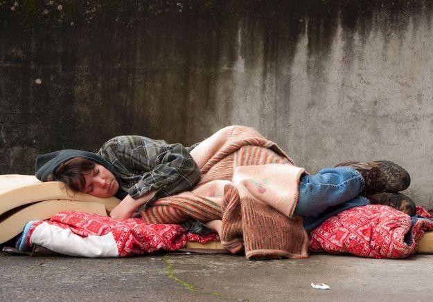 Coronavirus : des chèques-services pour les achats de première nécessité pour les sans-abri