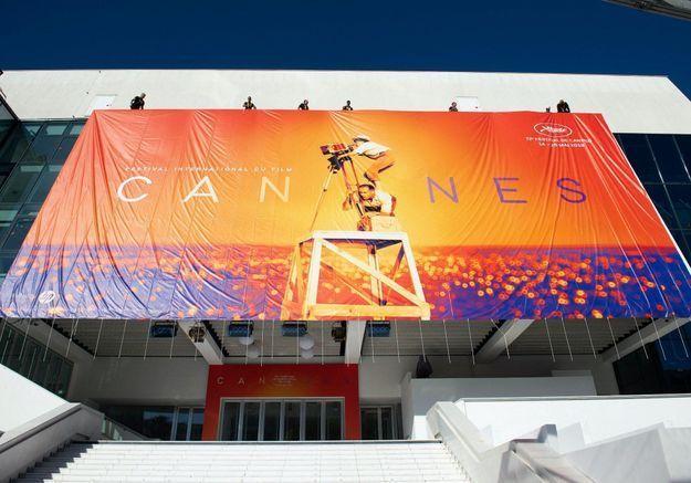 Coronavirus : le Palais des festivals de Cannes transformé en centre d'accueil pour les sans-abris