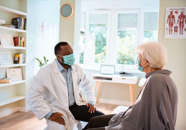 Covid-19 : les anciens malades davantage touchés par des troubles psys