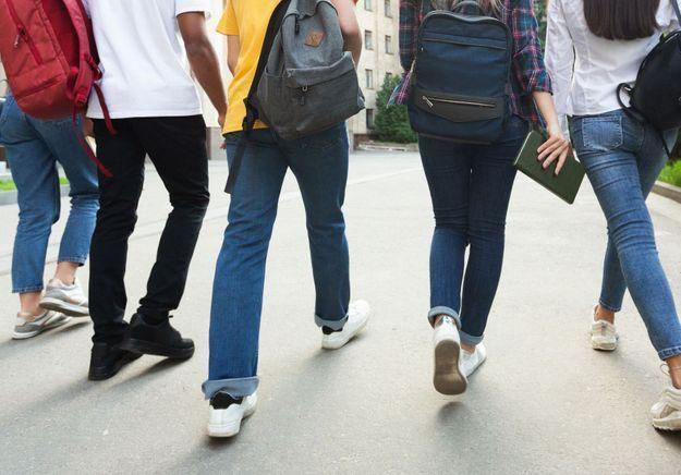 Déconfinement : 150 000 élèves de zones vertes retrouvent le chemin du collège
