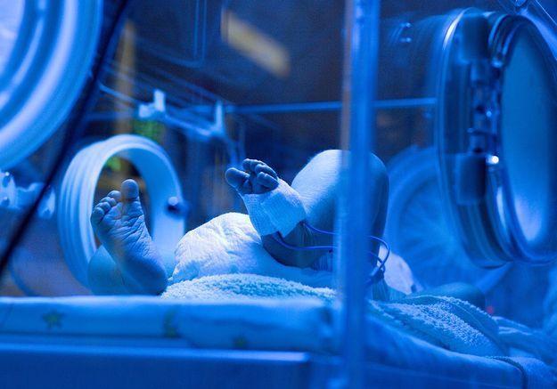 Des parents demandent l'arrêt des soins pour leur bébé prématuré