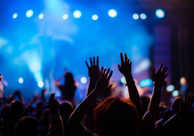 Droguée et violée durant un festival, elle demande l'aide des internautes