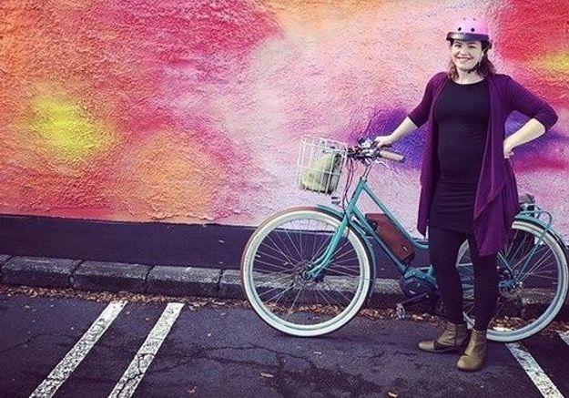 Elle décide d'aller accoucher… à vélo !