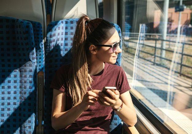 Elle filme ses parents sur le quai de la gare : la vidéo qui va vous émouvoir