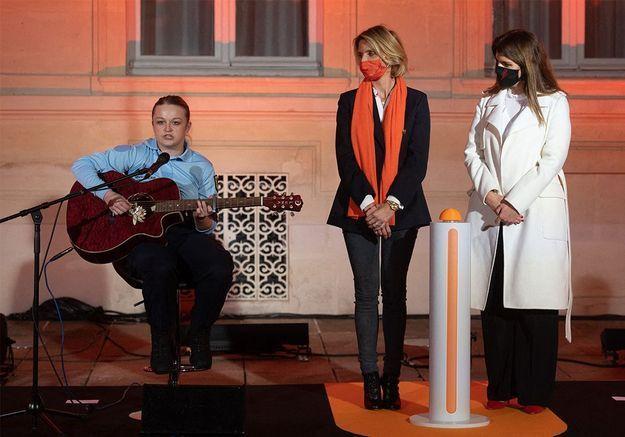 Eloïse Lapaille, gendarme et artiste, chante pour la journée internationale contre les violences faites aux femmes