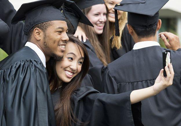 En Floride, les diplômés privés de selfie