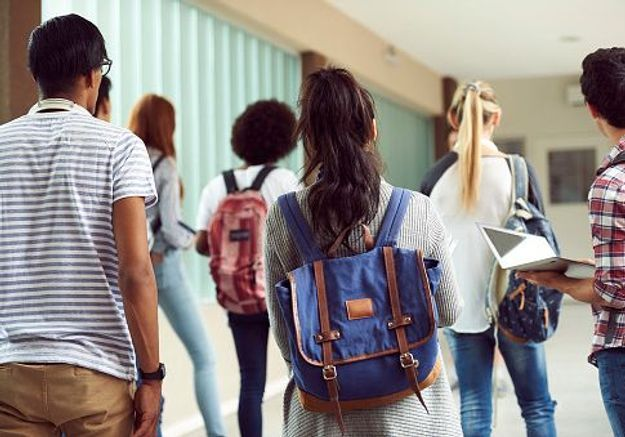 En Floride, un établissement censure les décolletés de ses lycéennes sur les photos de classe
