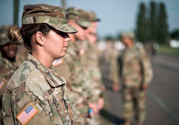 États-Unis : Joe Biden annule l'interdiction aux personnes transgenres de servir dans l'armée