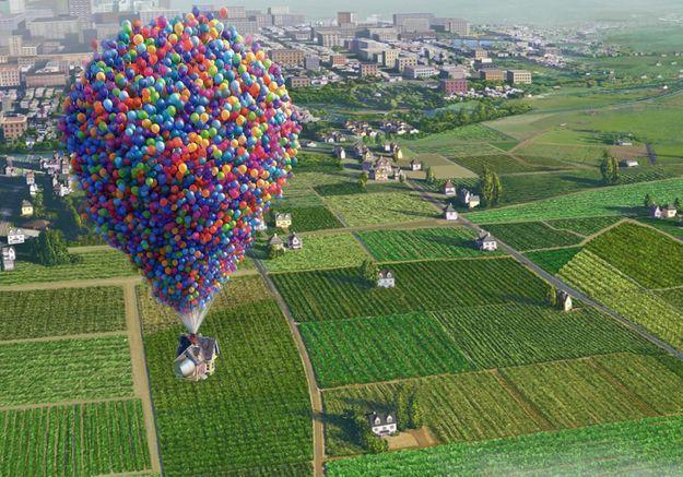 Fan du film « Là-haut », il s'envole suspendu à des ballons