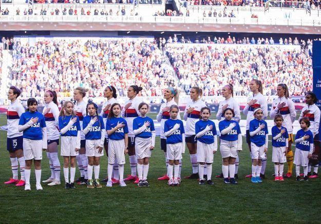 Football américain : les joueuses de l'équipe nationale féminine enfin égales aux hommes