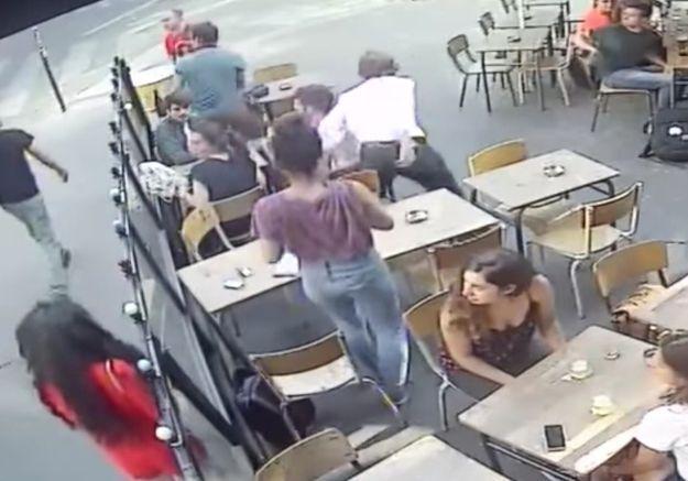 Harcèlement de rue : la vidéo de l'agression d'une jeune femme en plein Paris devient virale